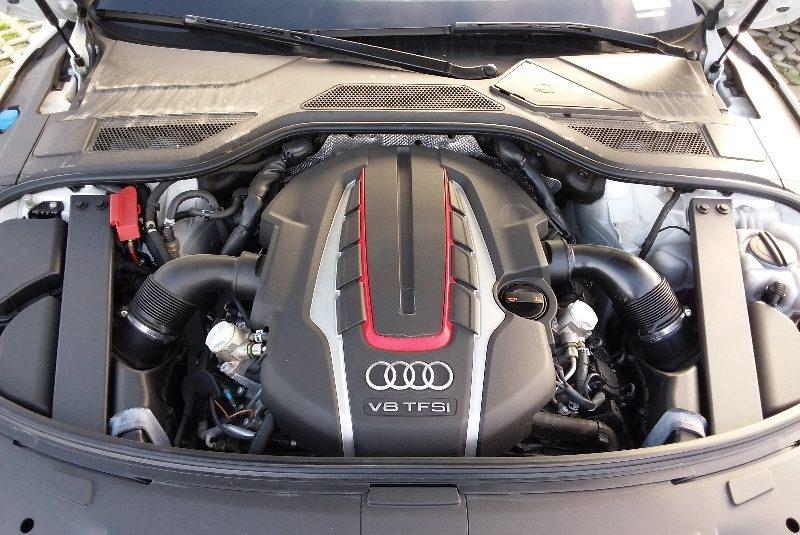 Audi S8 4.0 V8 TFSI quattro