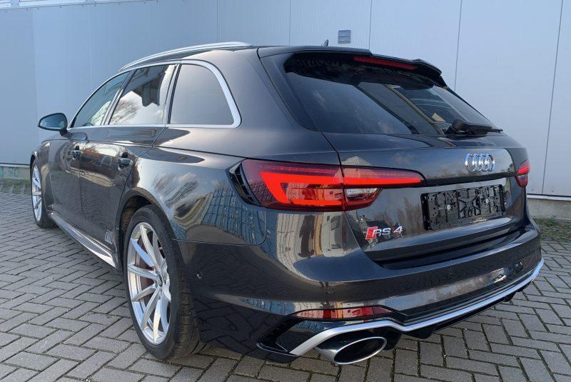 Audi RS 4 2.9 V6 TFSI quattro