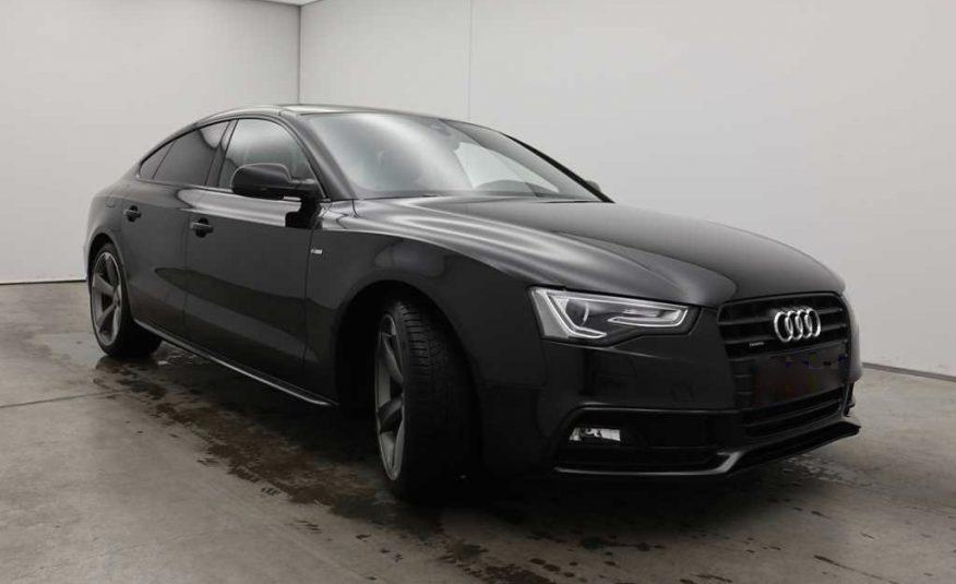Audi A5 Sportback 3.0 TDI S-Line lámpa