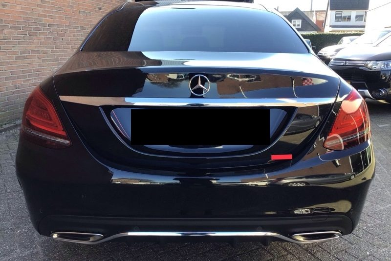 Mercedes-Benz C-Klasse C 180 CGI AMG Line hátulja